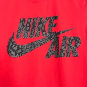 The Nike Tee Athletic Fit Size Small Nike Air